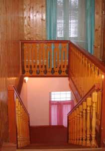 Лестница. Гостиница для паломников при храме Архангела Михаила